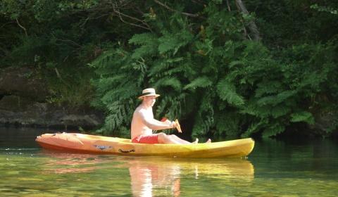 Promenade en kayak. Camping